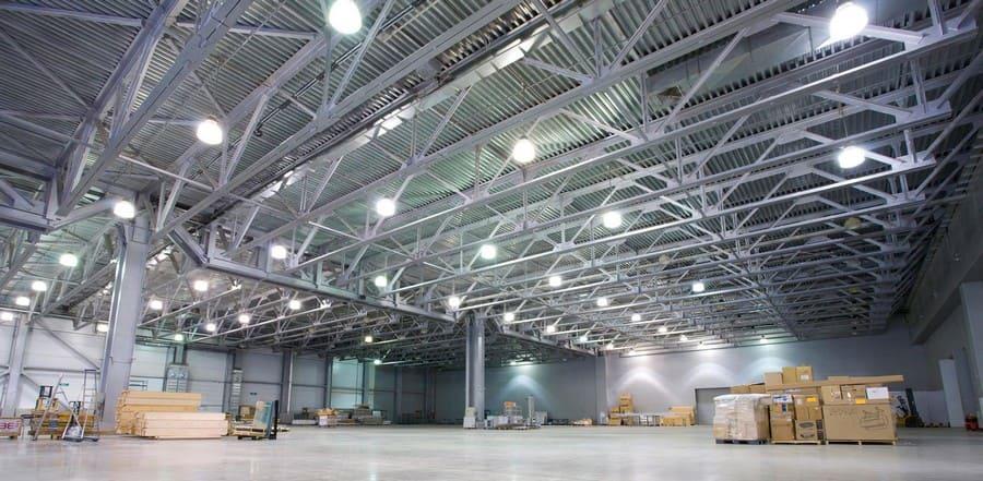 Светодиодные светильники на производстве и складах