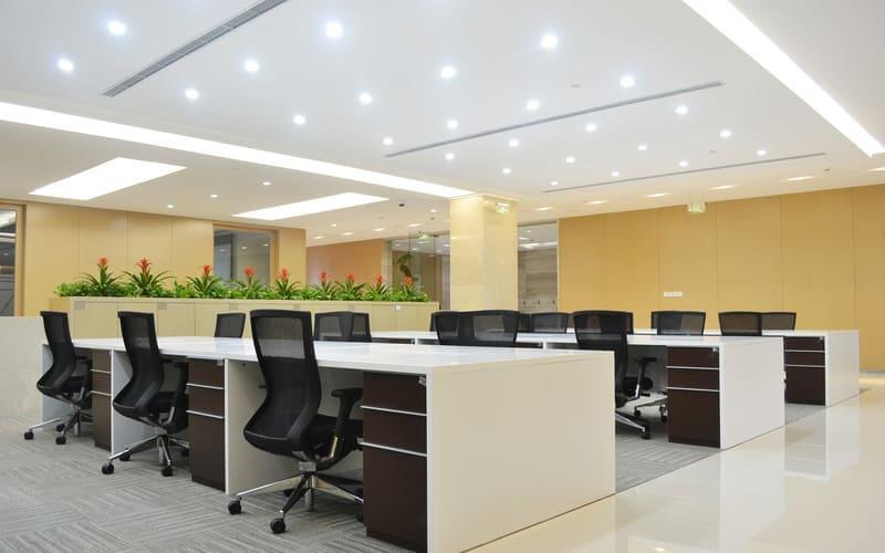 Светодиодное освещение офисного помещения