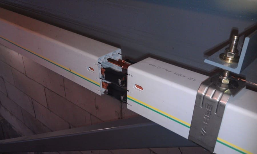 монтаж осветительного шинопровода